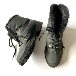 Women's Winter Snow Boot Black Fur Lined Size 9